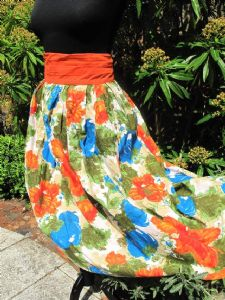 1950's Cotton canvas splashy floral print pleated vintage skirt **SOLD** es
